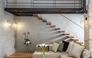 מדרגות מרחפות בבית מעוצב