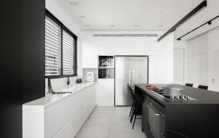 תכנון ועיצוב שחור לבן עץ